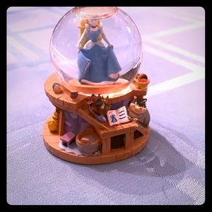 Cinderella mini snow globe